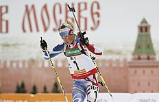 Moscow (Russian Federation), 06/04/2013.- Marie Dorin Habert of France competes during the women's mass start race of the Champions Race biathlon...