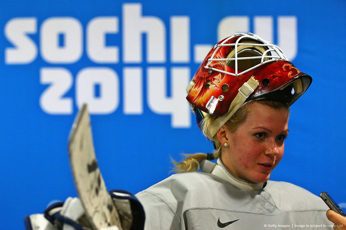 Вратарь женской сборной рф по хоккею фото густо или