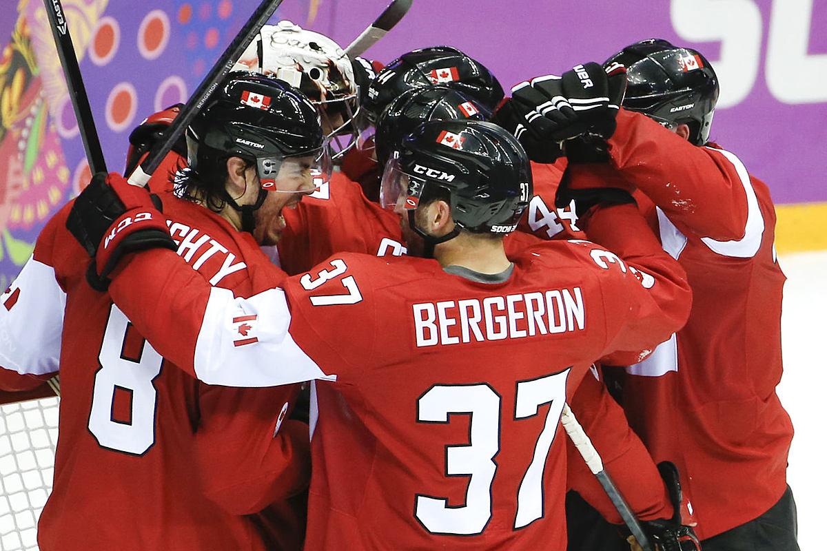Хоккей в россии team canada celebrates their 1 0 victory