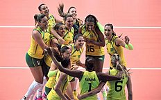 102014213718738_Z97BRA-RUS05.JPG. Verona (Italy), 04/10/2014.- Players of Brazil during the group F match Brazil vs Russia of the Women's World Volleyball...
