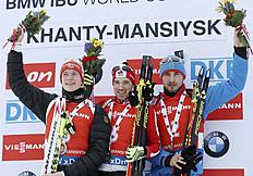 Khanty-mansiysk (Russian Federation), 21/03/2015.- Winner Nathan Smith of Canada (C), second placed Benedikt Doll of Germany (L) and third placed...