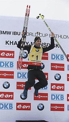 Khanty-mansiysk (Russian Federation), 22/03/2015.- Martin Fourcade of France celebrates winning the Overall World Cup standing at IBU Biathlon World...