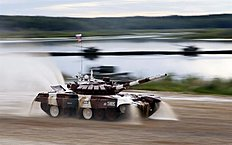 Moscow (Russian Federation), 15/08/2015.- The tank T-72 B of Russia team competes during the Tank Biathlon World Championship 2015 in Alabino outside...