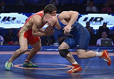 ������ (wrestling): Las Vegas (United States), 12/09/2015.- Kyle Snyder of USA (BLUE) in action against Abdusalam Gadisov of Russia (RED) in their Men'Äôs Freestyle...