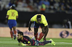 Ecuador's Felipe Caicedo, right, celebrates scoring against Argentina's Sergio Romero during a 2018 Russia World Cup qualifying soccer match in Buenos...