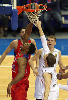 MOSCOW, RUSSIA — JANUARY 07: Kyle Hines, #42 of CSKA Moscow competes with Andres Nocioni, #6 of Real Madrid in action during the Turkish Airlines Euroleague Basketball Top 16 Round 2 game between CSKA Moscow v Real Madrid at USH CSKA on January 7, 2016 in Moscow, Russia.