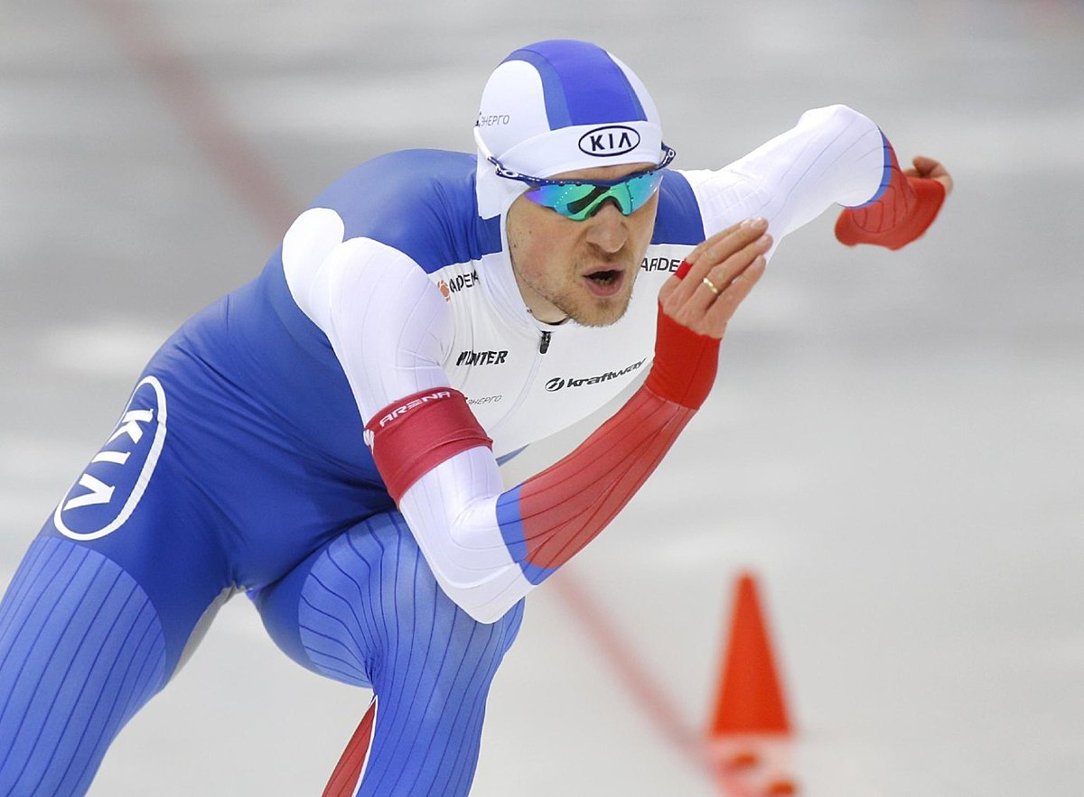 Denis Yuskov, of Russia, competes to win the men's 500m фото (photo)