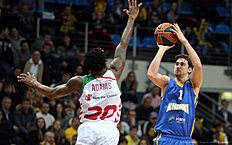 MOSCOW, RUSSIA — JANUARY 15: Alexey Shved, #1 of Khimki Moscow Region competes with Darius Adams, #20 of Laboral Kutxa Vitoria Gasteiz in action during the Turkish Airlines Euroleague Basketball Top 16 Round 3 game between Khimki Moscow Region v Laboral Kutxa Vitoria Gasteiz at Krylatskoye Arena on January 15, 2016 in Moscow, Russia.