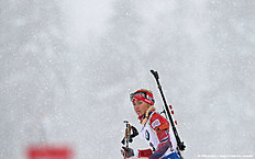 Norwegian Tiril Eckhoff reacts during the warm up shooting ahead the women's 12,5 kilometer mass start competition at the Biathlon World Cup on January 16, 2016 in Ruhpolding, southern Germany. nCzech Gabriela Soukalova won the competition, German Franziska Hildebrand placed second and German Laura Dahlmeier placed third. / AFP / Christof STACHE