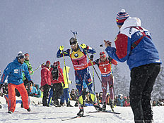 RUHPOLDING, GERMANY — JANUARY 16: Martin Fourcade of France in action during the Menu00abs 15 km mass start Biathlon race at the IBU Biathlon World Cup Ruhpolding on January 16, 2016 in Ruhpolding, Germany.