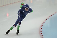 Sven Kramer, of the Netherlands, skates to win the men's 10000 meter race of the speedskating single distance World Championships in Kolomna, Russia, on Thursday, Feb. 11, 2016. (AP Photo/Ivan Sekretarev)