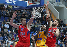 MOSCOW, RUSSIA — FEBRUARY 25: Tyrese Rice, #0 of Khimki Moscow Region competes with Victor Khryapa, #31 and Joel Freeland, #19 of CSKA Moscow in action during the 2015-2016 Turkish Airlines Euroleague Basketball Top 16 Round 8 game between CSKA Moscow v Khimki Moscow Region at Megasport Arena on February 25, 2016 in Moscow, Russia.