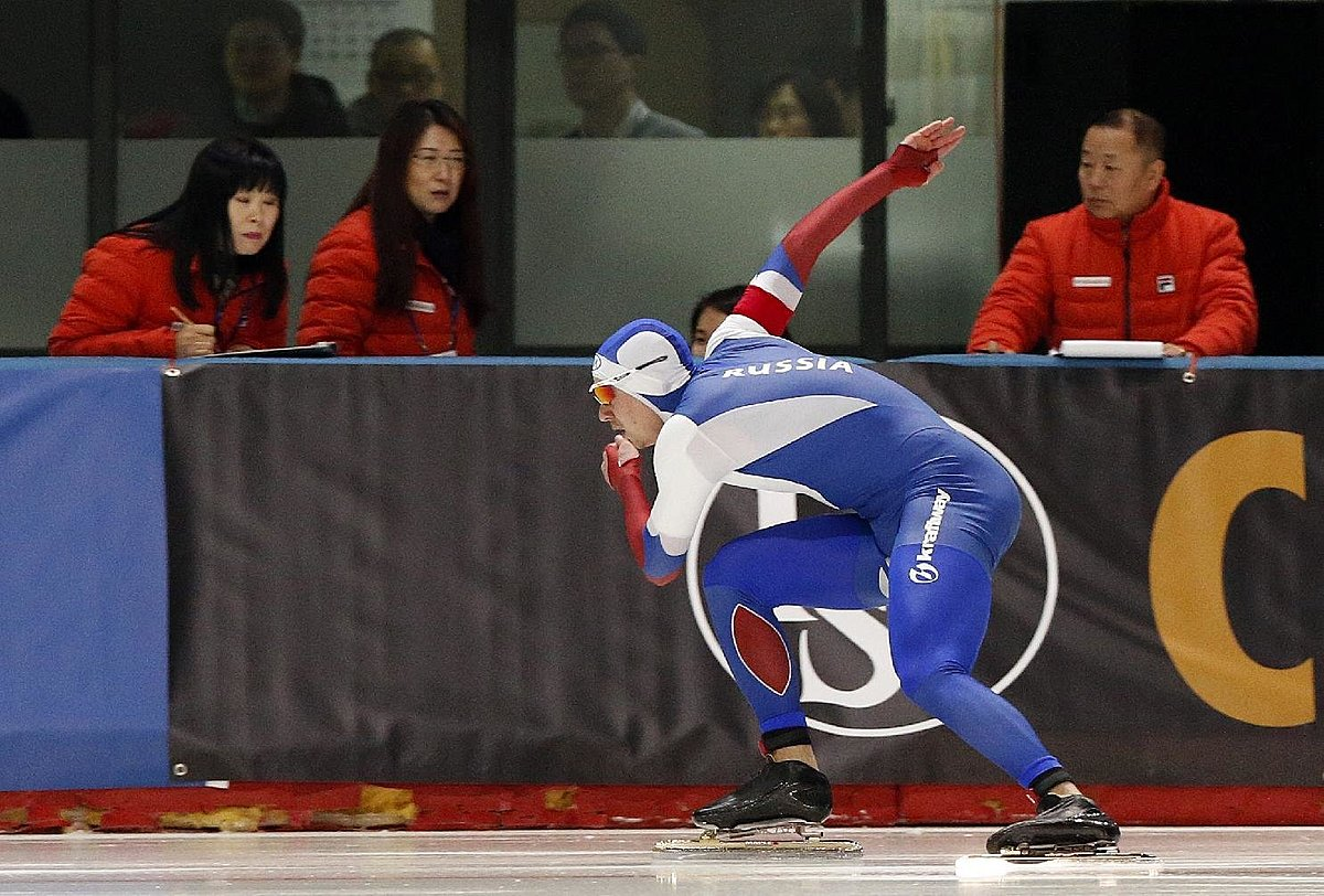 Russia's Pavel Kulizhnikov skates during the men's фото (photo)