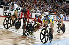 TOPSHOT — Russia's Anastasiia Voinova (2R) crashes into Hong Kong's Sze Wai Lee on the finish line of the Women's Keirin qualification during the 2016 Track Cycling World Championships at the Lee Valley VeloPark in London on March 3, 2016 / AFP / ADRIAN DENNIS