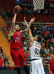 MOSCOW, RUSSIA — APRIL 01: Nikita Kurbanov, 41 of CSKA Moscow competes with Edgaras Ulanovas, #92 of Zalgiris Kaunas in action during the 2015-2016 Turkish Airlines Euroleague Basketball Top 16 Round 13 game between CSKA Moscow v Zalgiris Kaunas at Megasport Arena on April 1, 2016 in Moscow, Russia.