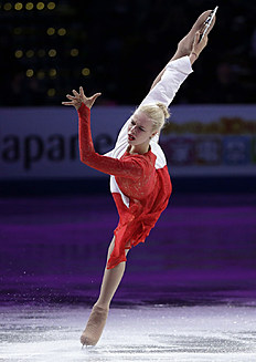 Anna Pogorilaya, of Russia, skates during the exhibition program фото (photo)