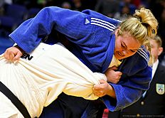 Lithuania's Santa Pakenyte (R) fights with Turkey's Belkis Zehra Kaya during their Women's over 78kg category for bronze medal at the European Judo Championships in Kazan on April 23, 2016. / AFP / Vasily Maximov
