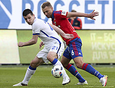 KHIMKI, RUSSIA � APRIL 24: .Aleksei Berezutski (R) of PFC CSKA Moscow challenged by Fatos Beciraj of FC Dinamo Moscow during the Russian Premier League match between PFC CSKA Moscow and FC Dinamo Moscow at Arena Khimki Stadium on April 24, 2016 in Khimki, Russia.