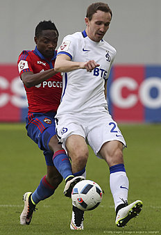 KHIMKI, RUSSIA � APRIL 24: Ahmed Musa (L) of PFC CSKA Moscow challenged by Aleksei Kozlov of FC Dinamo Moscow during the Russian Premier League match between PFC CSKA Moscow and FC Dinamo Moscow at Arena Khimki Stadium on April 24, 2016 in Khimki, Russia.